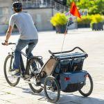 Thule Chariot Cross 2 im Fahrradbetrieb - majolica blue